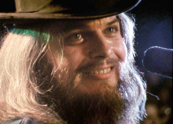 Leon Russell in A Poem Is a Naked Person (Janus Films)