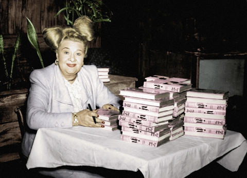 Sophie Tucker at a signing of her autobiography (Menemsha Films)