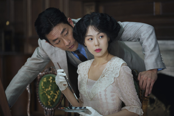 Ha Jung-woo and Kim Min-hee in The Handmaiden (TIFF)