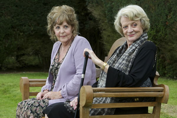 Pauline Collins and Maggie Smith in QUARTET (The Weinstein Company)