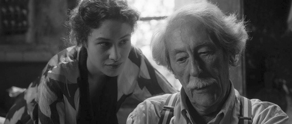 Aida Folch and Jean Rochefort in THE ARTIST AND THE MODEL (Cohen Media Group)