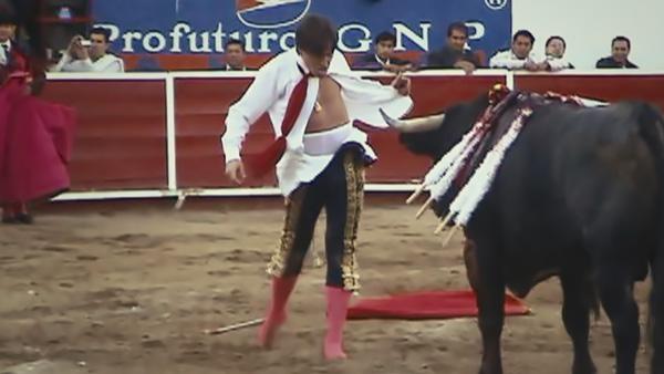 Antonio Barrera bullfighting in Leon, Mexico, in 2011 (Oscar Hernández)